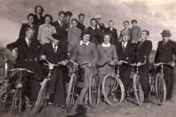 Old bicycle team